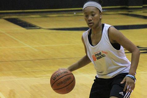 Varsity Girls  Basketball Ranked 10th
