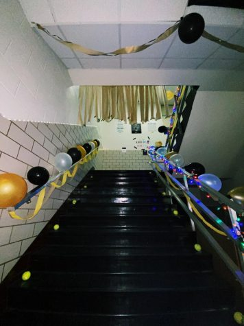 Students spent many hours over the weekend decorating for Rider-Old High week.